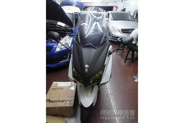 【摩托車】YAMAHA T-MAX 安裝 行車紀錄器