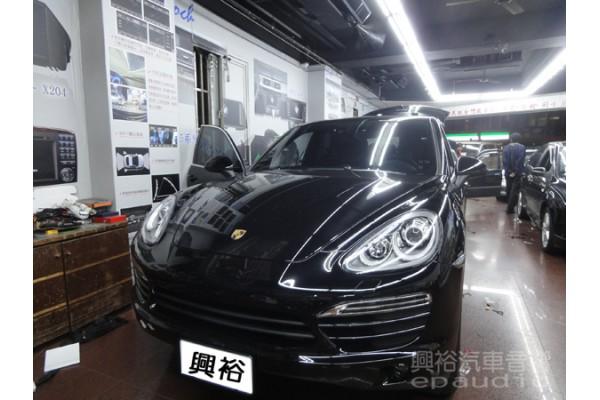 【Porsche 保時捷】Cayenne 安裝導航|數位|擴大機|電容|重低音|木工|測速器|防護罩|行車記錄器|倒車鏡頭